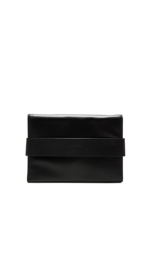 KENDALL + KYLIE Azuba Clutch in Black