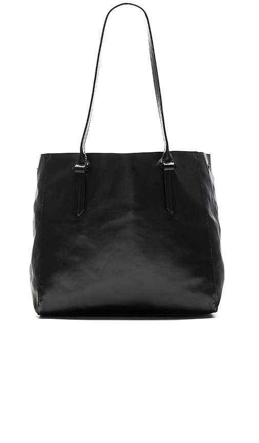 KENDALL + KYLIE Izzy Tote Bag in Black
