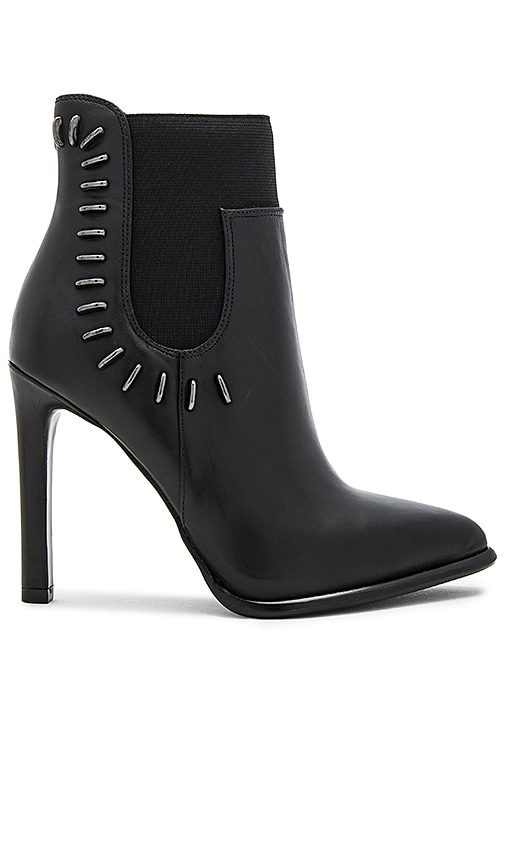 KENDALL + KYLIE Cassidy Bootie in Black