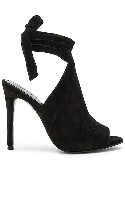 KENDALL + KYLIE Evelyn Heel in Black