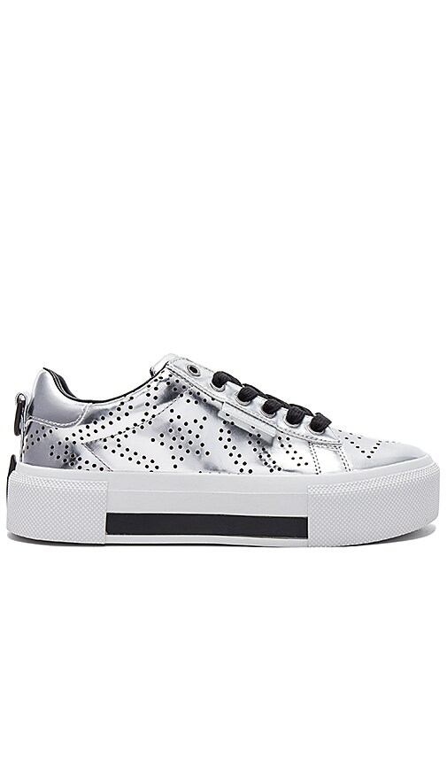 Kendall + Kylie Baskets Argent tuh22W1P