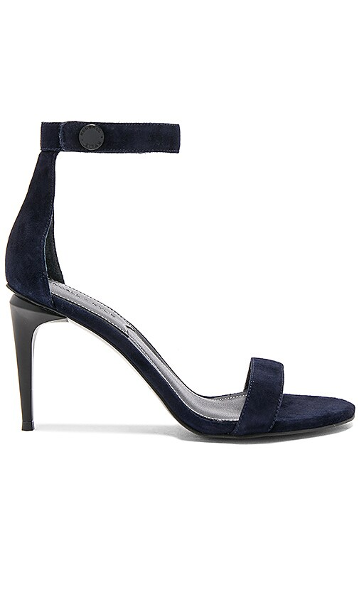 KENDALL + KYLIE Madelyn Heel in Navy