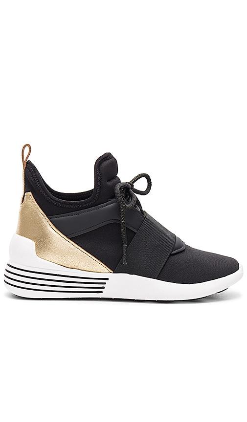 KENDALL + KYLIE Braydin Sneaker in Black