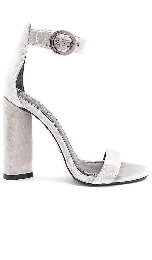 KENDALL + KYLIE Giselle Heel in Light Gray