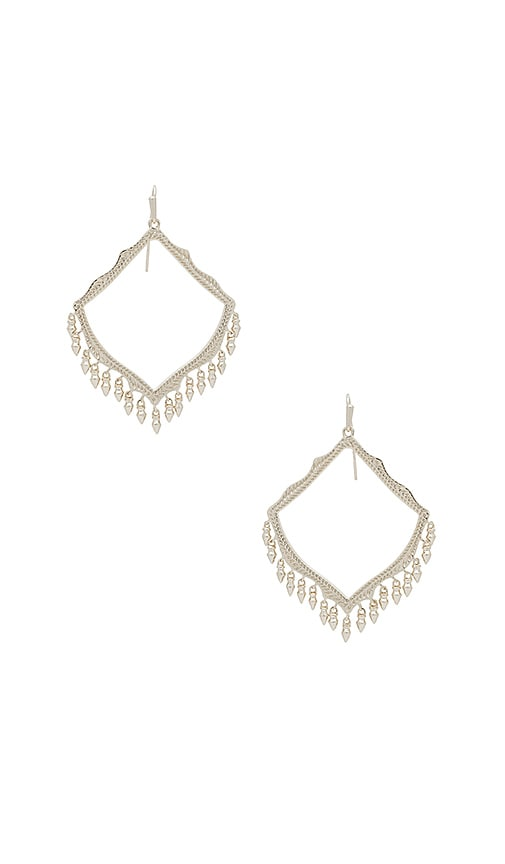 Kendra Scott Lacy Earrings in Metallic Silver
