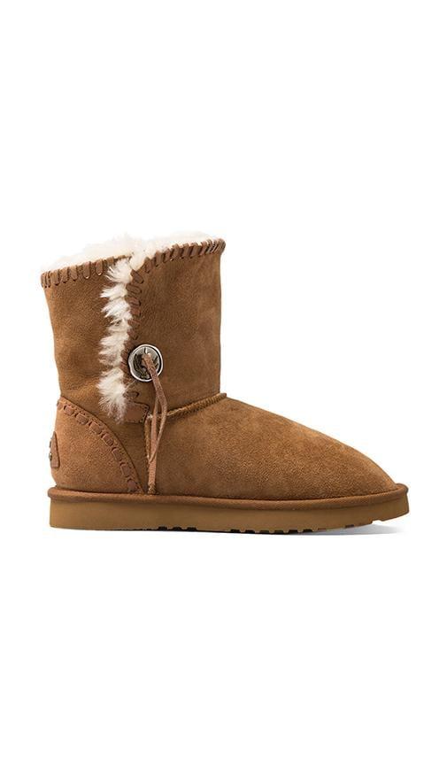 Trishka Short Boot with Twinface Sheepskin