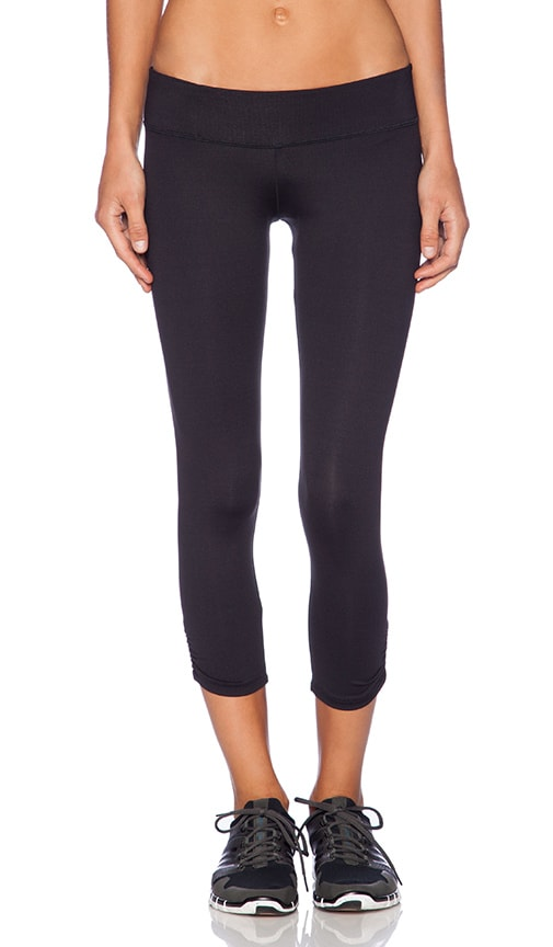 KORAL Vitality Capri in Black