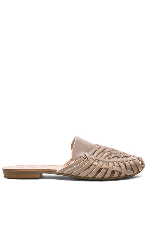 Latigo Mica Sandal in Grey