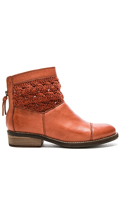 Latigo Carly Booties in Brick