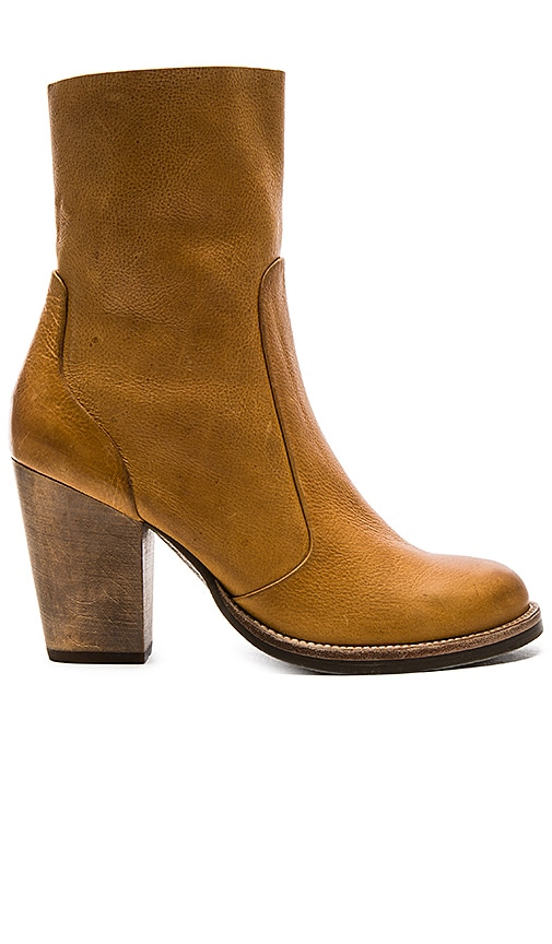 Latigo Friend Booties in Tan