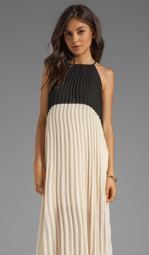 Color Block Pleated Dress