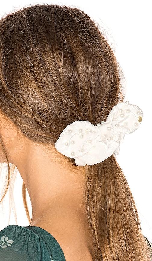 Pearl Scrunchie