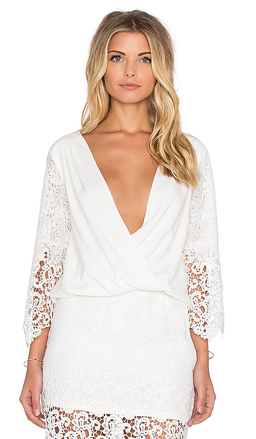 LIV 3/4 Cross V Top in White
