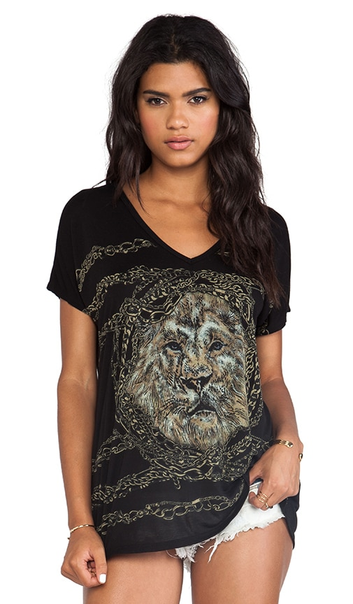 April Chain Lion Oversized V Neck Tee