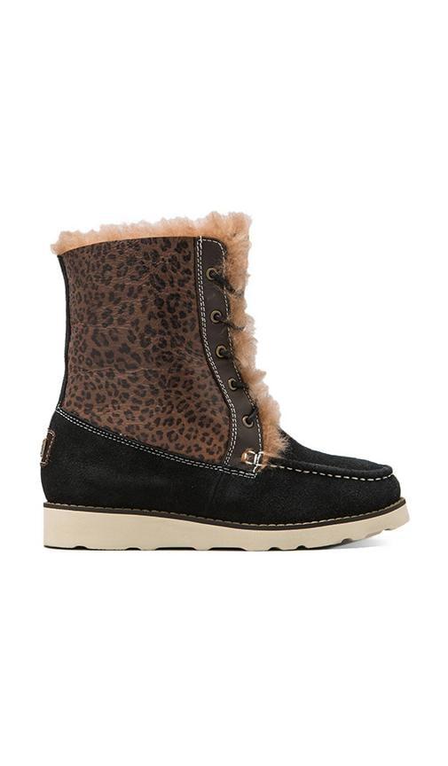 Chukka Boot with Sheepskin