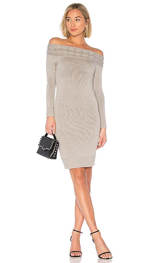 LOVF WD1533 V1 - Зимние платья на 2019 год-теплые и стильные варианты