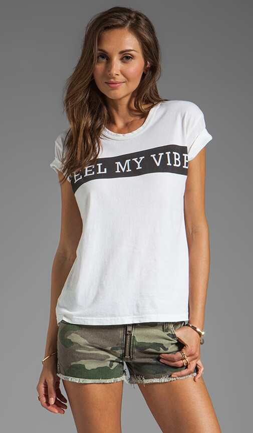 Feel My Vibe Short Sleeve Graphic Tee