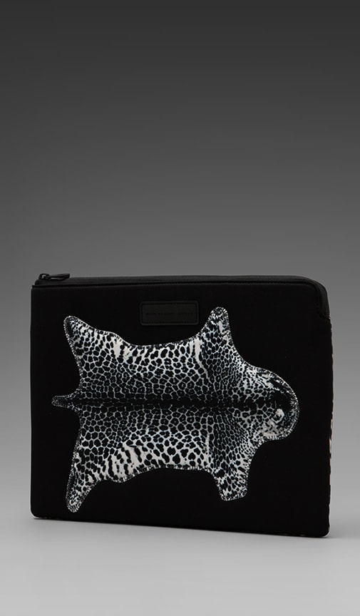 No. 1 Neoprene Jaguar Rug 13' Zip Case