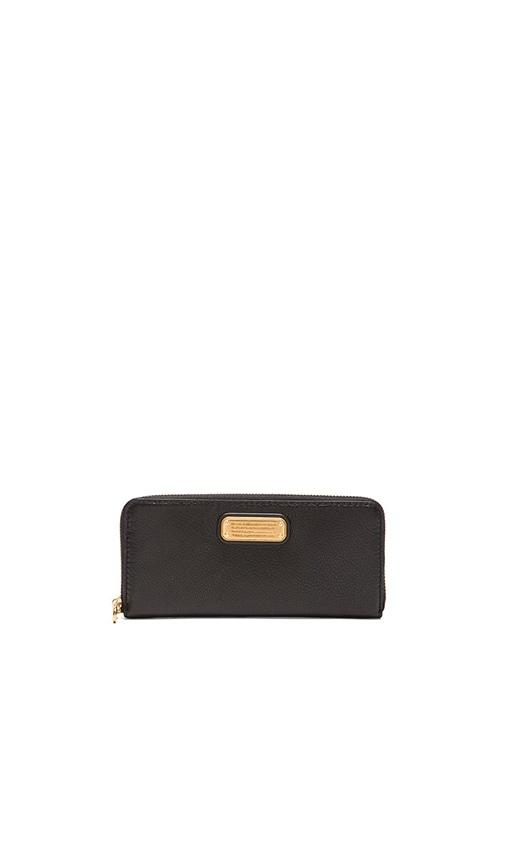 New Q Slim Zip Around Wallet