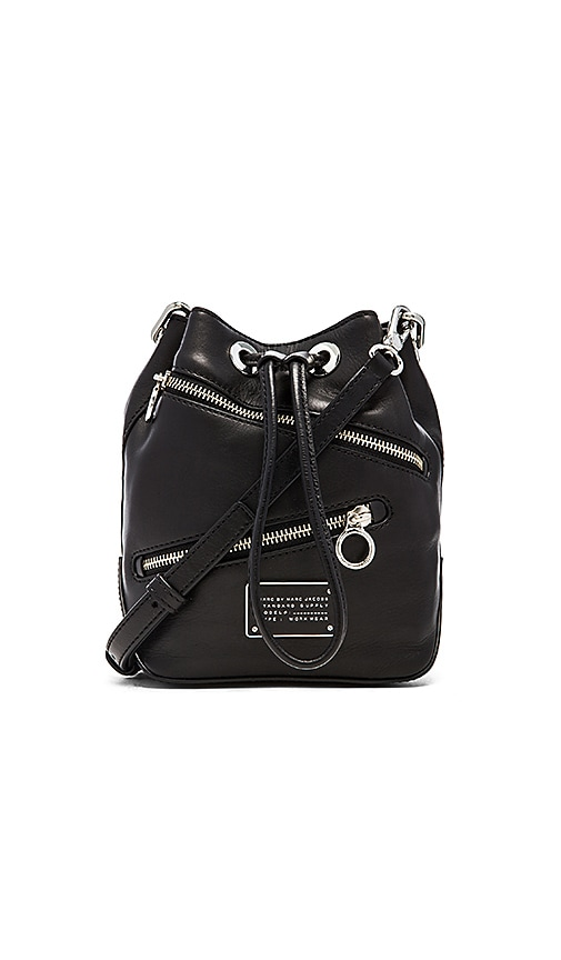 New Too Hot To Handle Zippers Small Bucket Bag