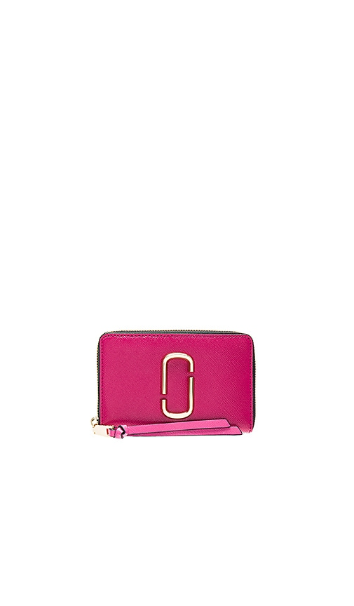Marc Jacobs Small Standard Wallet in Fuchsia