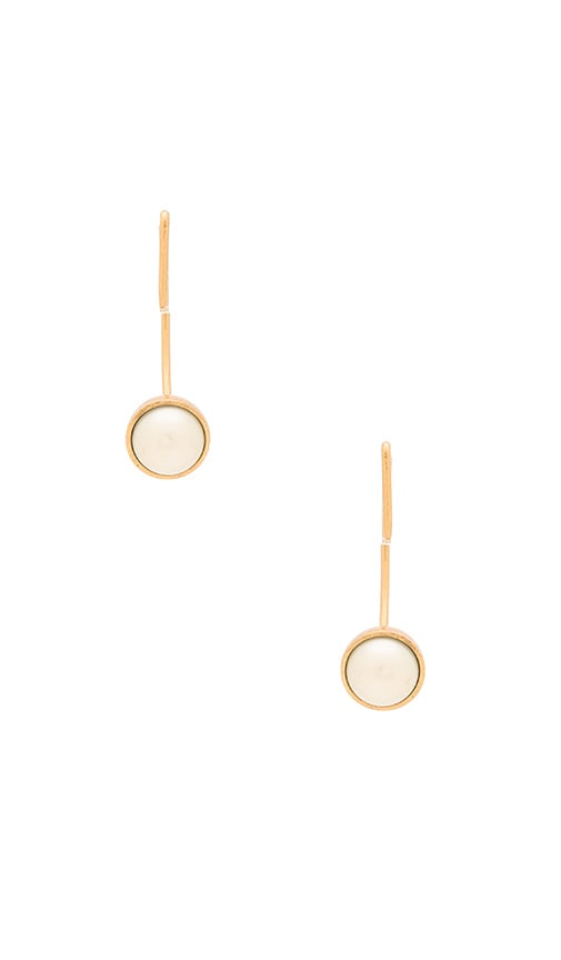 Marc Jacobs Small Pearl Hoop Earrings in Cream & Antique Gold