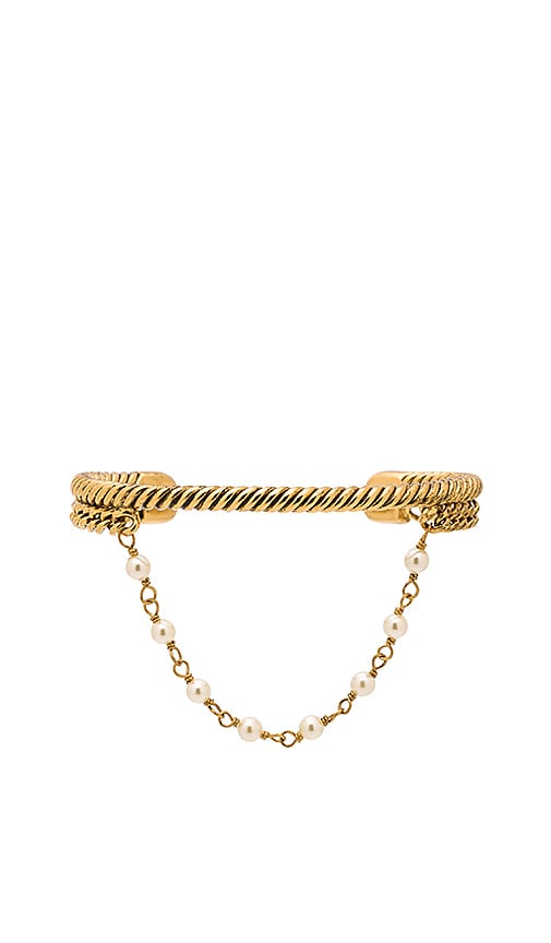 Marc Jacobs Pearl Hanging Chain Cuff in Metallic Gold