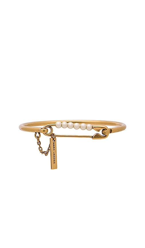Marc Jacobs Charms Pearl Safety Pin Hinge Cuff in Metallic Gold