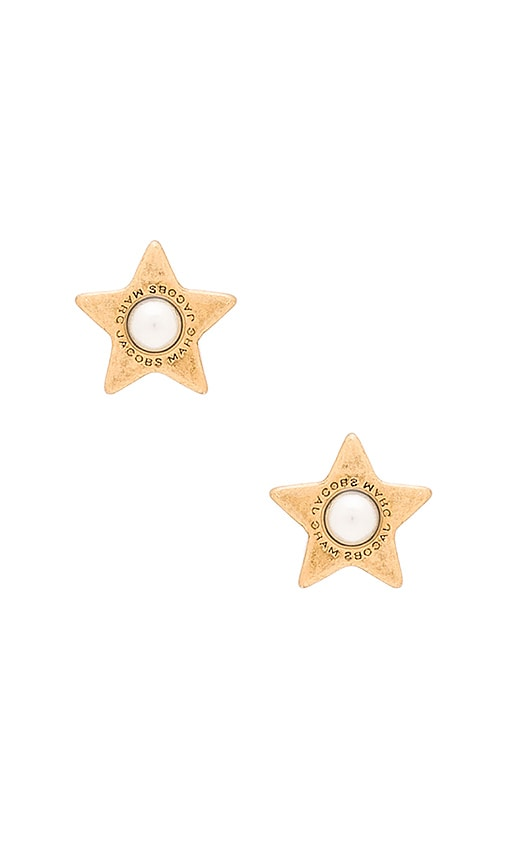 Marc Jacobs Charms Flat Pearl Star Stud Earrings in Cream & Antique Gold