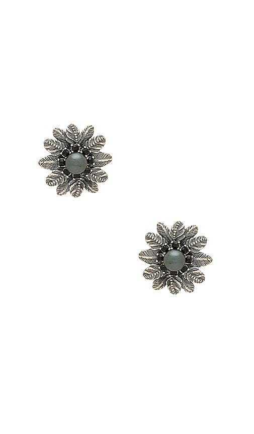 Marc Jacobs Dark Plumes Pearl Stud Earrings in Metallic Silver