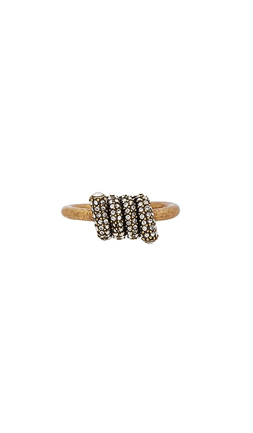 Marc Jacobs Pave Twisted Ring in Metallic Gold