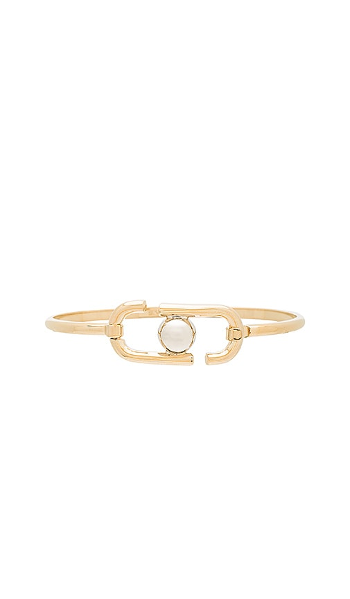 Marc Jacobs Icon Hinge Bracelet in Metallic Gold