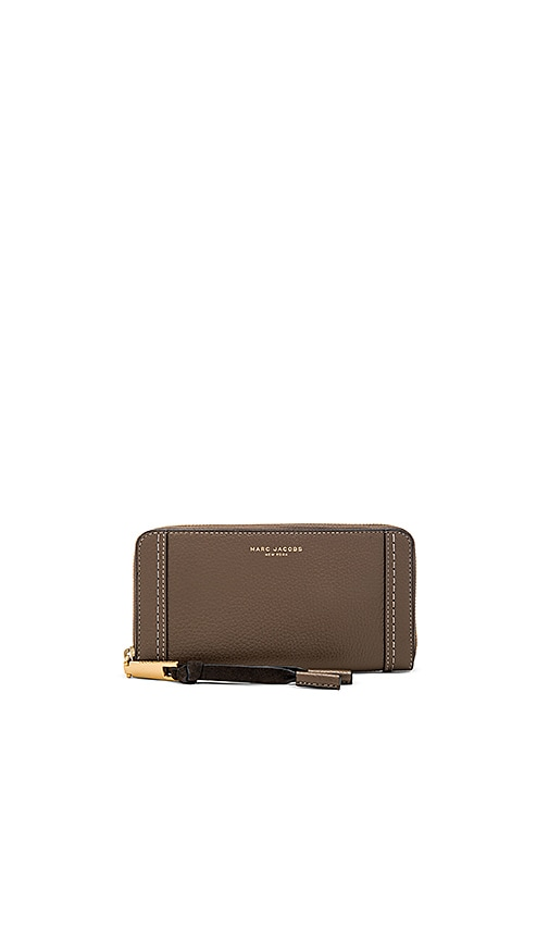 Marc Jacobs Maverick Standard Continental Wallet in Brown