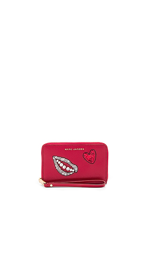 Marc Jacobs Sequin Hand To Heart Zip Phone Wristlet in Red