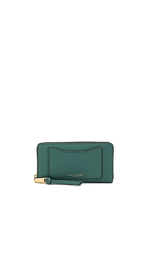 Marc Jacobs Recruit Standard Continental Wallet in Green