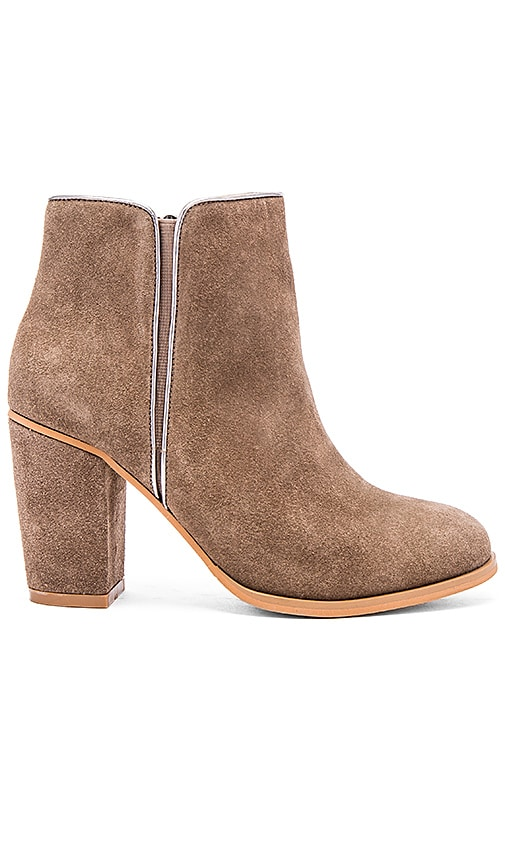 Matiko Sloane Bootie in Taupe