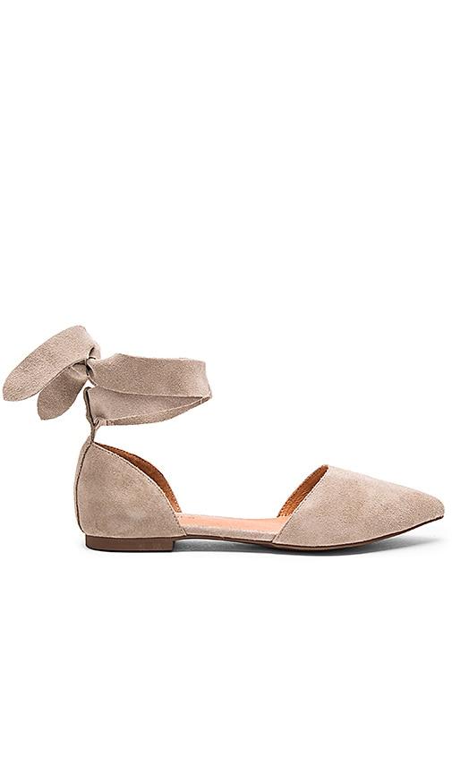 Matiko Rey Flats in Gray