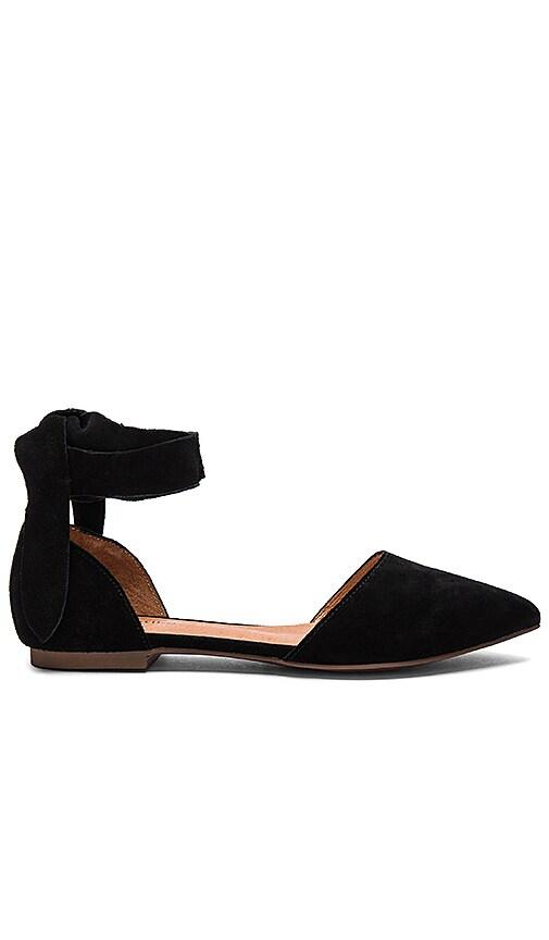 Matiko Rey Flats in Black