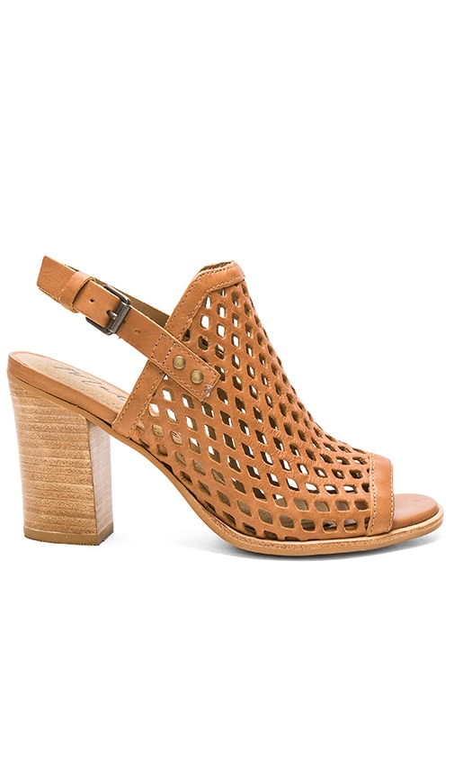 Matisse Centered Heel in Tan