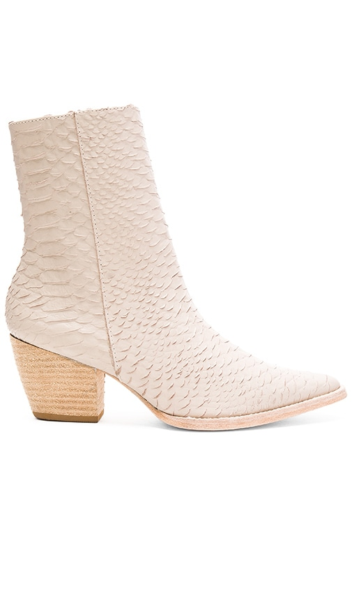 Matisse Caty Boot in Light Gray
