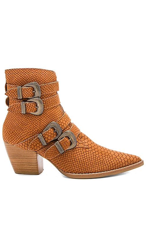 Matisse Harvey Booties in Tan