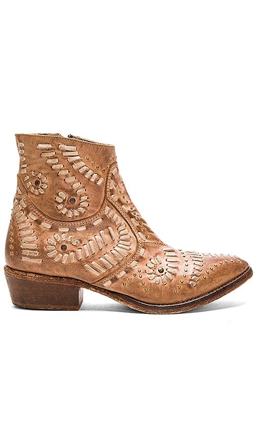 Matisse Fiesta Booties in Tan