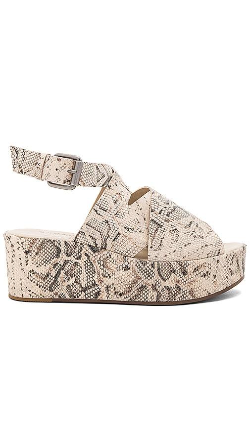 Matisse Runaway Sandal in Beige