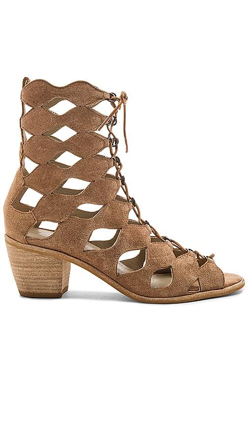 Matisse Jester Sandal in Tan