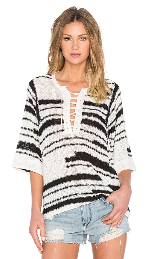 Elbow Sleeve Lace-Up Baja Pullover