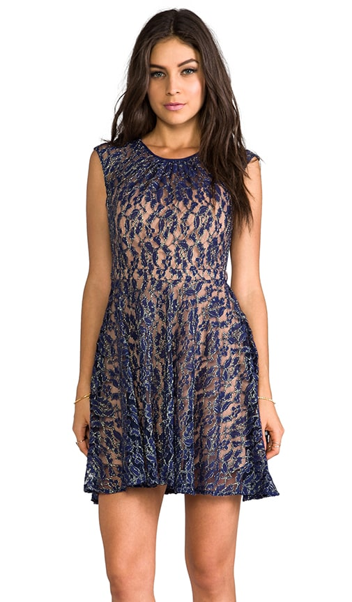 Capsleeve Lace Dress