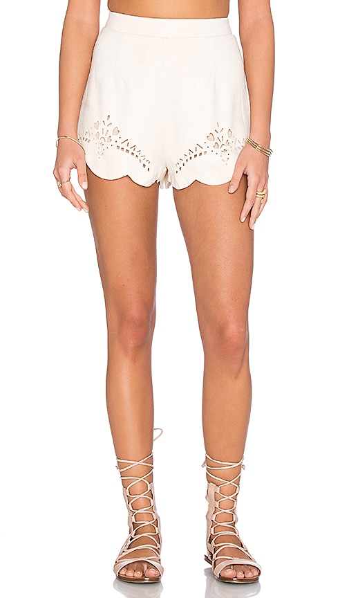 Mandolin Scallop Hem Short