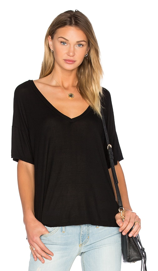Michael Lauren Gram V Neck Tee in Black