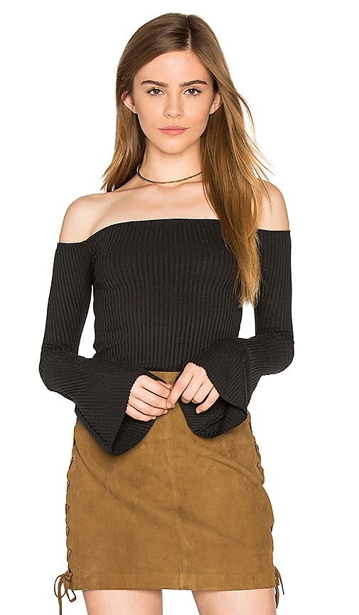 Michael Lauren Hyatt Off Shoulder Bell Sleeve Top in Black