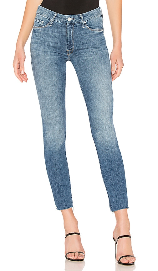MOTHER Looker Ankle Fray Jean in Denim Light